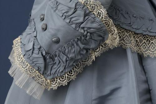 Short Course: Small waists and full skirts (1820s' fashion)