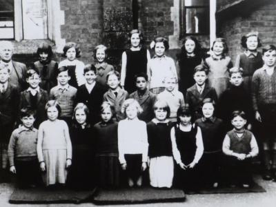 Fit Faces: Drake's School, East Budleigh, 1940