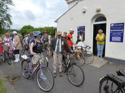 Cyclists visit the museum