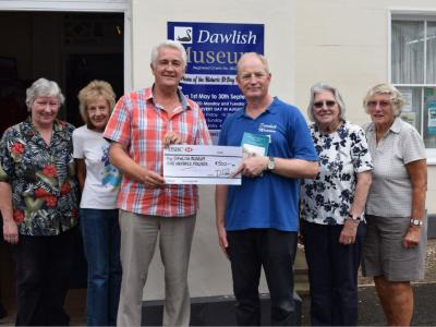 Dawlish Museum Receives A Cheque For 500 !